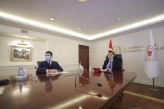 Enerji ve Tabii Kaynaklar Bakanı Fatih Dönmez, video konferans yöntemiyle katıldığı Azerbaycan Eğitim Programı açılışında bir konuşma yaptı. ( Celal Güneş - Anadolu Ajansı )